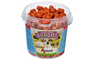 De Buddies hondensnack is een kleine, smakelijke en glutenvrije beloning voor uw hond. Deze wordt gemaakt van makkelijk verteerbare ingrediënten zoals hert, eend of struisvogel.