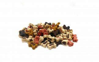 Hondensnoepjes Bone Mix zijn zachte kleine beloningssnoepjes voor je hond. De beloningssnoepjes voor de hond zitten in een zakje of in een pot en zijn van ons eigen merk.