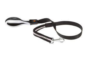 De ErgoComfort Elastic is een hondenriem met een zachte voering bij het handvat, dit verzekert u van veel comfort en een goede greep tijdens de wandeling. De lijn is voorzien van een kunststof deel en een innovatief elastisch schokabsorberend deel.