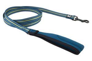 De Hurtta Reflective Leash is een reflecterende hondenriem van sterk nylon. Ideaal wanneer het belangrijk is dat u en uw hond opvallen.
