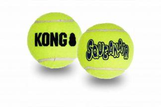 De Kong SqueakAir tennisballen zorgen voor ultiem plezier, doordat deze is voorzien van een uitdagend piepje. Perfect om te gebruiken tijdens een training of apporteerspelletje. Daarnaast zijn de producten van Kong van hoogwaardige kwaliteit en kan daardoor geen slijtage aan het gebit veroorzaken.
