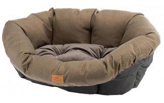 De Sofa Tweed is een net kussen voor in huis. Het kussen kan aan de Ferplast Siësta Deluxe kunststof mand vastgemaakt worden. Doordat deze hoes eenvoudig los te halen is van de mand, is deze makkelijk uit te wassen.