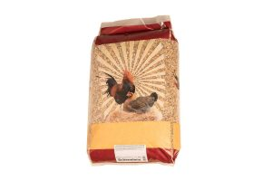 Huismerk scharrelmix is een volledige voeding voor vele soorten volwassen pluimvee.Scharrelmix is een mix van volledige scharrelkorrel, scharrelgraan en grit.