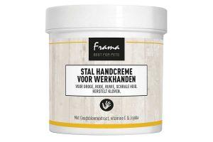De Frama Stal handcrème voor werkhanden heeft een huidherstellende en verzorgende functie. De crème is ideaal bij de verschijnselen die ontstaan bij het harde werken in de stal, maar ook bij andere gelegenheden.