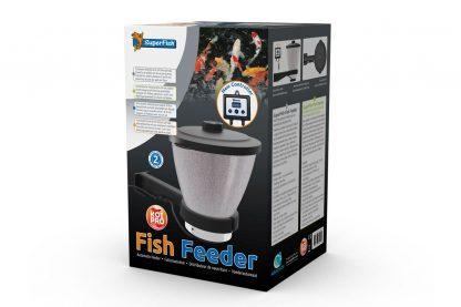 Met de Superfish Koi pro voederautomaat is het mogelijk om automatisch je vissen voeren. Doordat er meerdere keren kleinere hoeveelheden voer gedoseerd worden, is dit beter voor de gezondheid van je vissen en vijver.