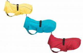 De Trixie Vimy hondenregenjas zorgt ervoor dat wandelen in de regen niet langer een probleem is. Sommige honden vinden wandelen in de regen niet leuk of hebben het eerder koud door de natte vacht. Een regenjas voor honden kan dan uitkomst bieden
