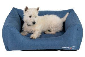 De Jack & Vanilla Waterproof sofa is een heerlijke mand voor uw hond. De mand is gemaakt van duurzaam waterdicht materiaal en daardoor makkelijk te reinigen. Daarbij behoudt de mand zijn vorm en stevigheid, ook na langdurig gebruik.