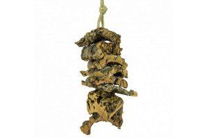 De BackZoo Nature Corky Shreddingtower is heerlijk speelgoed dat uw kromsnavel kan slopen. Gegarandeerd plezier! Vogels kunnen in deze toren klimmen en klauteren.