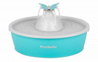 De Drinkwell Butterfly drinkfontein circuleert en filtert continu het water van je huisdier. Met een watercapaciteit van 1,5 liter is de fontein het meest geschikt voor katten en kleine honden.