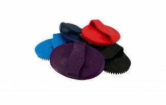 De Ekkia Rubberen Rosborstel is ideaal voor het verwijderen van loszittende haren bij uw paard. Gemaakt van natuurlijke en zacht rubber.