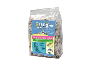 Het Ekoo Exotic Colours & Festival nestmateriaal is een veilig, comfortabel en opwindend product in de kleuren geel, blauw, roze en groen.