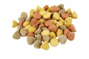 De Excellent Jack Jacker Rollies mix is een heerlijk hondenkoekje wat gegeven kan worden als lekkernij of als beloning. Deze mix is verkrijgbaar in 10 kg en gemaakt van granen, vlees en dierlijke bijproducten, oliën en vetten, plantaardige bijproducten, mineralen en suikers.