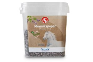 Sectolin Monnikspeper is een aanvullende diervoeder op basis van zaden. Het ondersteunt uw merries, hengsten of ruinen met de regulering van de hormoonhuishouding.