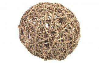 De Fun Bal gemaakt van Zeegras is het ideale snackspeeltje voor uw konijn, cavia, fret of rat. De bal zorgt ervoor dat uw knager heerlijk kan spelen en ontdekken, maar tegelijkertijd ook kan snacken en snoepen.