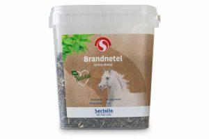 Sectolin Brandnetel is gemaakt van gedroogd en gesneden blad. Het ondersteunt de weerstand, een gezonde spijsvertering en heeft een gunstige invloed op de bloedsomloop. Daarnaast bevordert het ook de afvoer van afvalstoffen.