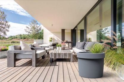De SuperFish Patio Pond is een terrasvijver die veel sfeer op je terras of balkon creëert. Heb je een klein balkon, terras of stadstuin? Dan is deze kleine vijver wellicht iets voor jou!