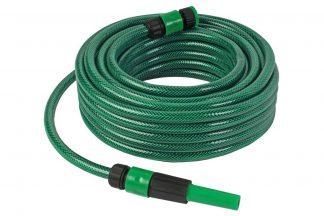 De Talen Tools groene slang besproeiingsset bestaat uit een tuinslang van 15 meter 1/2'', regelbare spuit, kraannippel, snelkoppeling 1/2'' en snelkoppeling 1/2'' met stop.