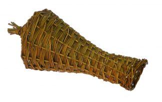 Gevlochten eendenkorf die ideaal is om aan de waterkant te plaatsen waarin eenden hun nest kunnen bouwen en hun eieren rustig uit kunnen broeden.