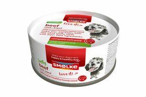 De Smolke Soft Paté rund is een verrukkelijke maaltijd. Het heeft een zachte bite en verse superfood ingrediënten. Het is de daarom perfecte verwennerij voor uw hond.