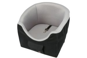 De Trixie Friends on Tour autostoel is gemaakt van polyester en voorzien van een slipvaste onderkant. Het is een ideaal stoeltje, uitgevoerd met een zitverhoging waardoor de hond naar buiten kan kijken.