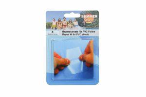 De Summer Fun reparatiepatch is een zelfklevende folie. Hij is geschikt voor het repareren van kleine gaatjes in opblaasbare plastic voorwerpen of PVC folie.