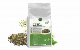 De Vitalbix NutriMash is een vezelrijke slobber. Hij is gemaakt zonder granen en toegevoegde suikers. Hij heeft tevens een laag zetmeel- en suikergehalte en een hoog aandeel prebiotische vezels.