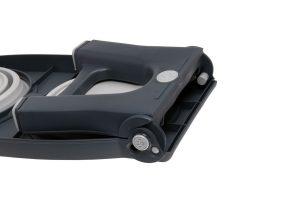 De Popware voederbak siliconen is een handige, inklapbare en in hoogte verstelbare voederbak. De voederbak is thuis te gebruiken, maar omdat hij zo compact op te bergen is, is hij ook makkelijk mee te nemen op reis.