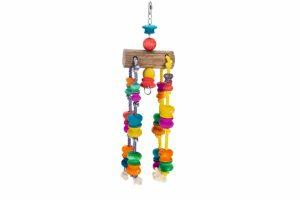 Het Beeztees houten papegaaien klimtouw zorgt voor plezier en uitdaging in uw vogelkooi. De vrolijk gekleurd kralen zorgen ervoor dat uw papegaai er niet alleen in kan klimmen of klauteren, maar ook actief mee spelen.