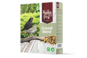 De Hobby First Wildlife Ground Blend is gemaakt van grotere granen en zaden! Speciaal samen gesteld voor vogels die altijd op de grond naar voer zoeken, bijvoorbeeld merels, spreeuwen en duiven.