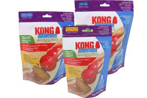 De Kong Snack Marathon Chicken zijn de perfecte lekkere bezigheid voor uw hond. De vorm kan in een van uw Kong Classic hondenspeeltjes worden vast gedraaid, zodat uw trouwe viervoeter wel eventjes bezig is met het opeten van deze smaakvolle snack.