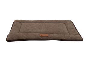 De Petlando Relaxmat is een stijlvol en comfortabel hondenkussen voor uw huisdier. De zachte vlokken- en fleecevulling is in de naad meegestikt, waardoor deze niet kan gaan klonteren tijdens het uitwassen.
