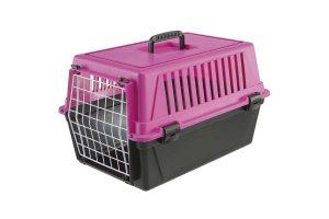 De Ferplast Atlas EL 20 vervoersbox is een transportkooi van kunststof voor kleine honden, pups of katten. Deze vervoersbox is ideaal te gebruiken wanneer u op vakantie gaat of voor een tripje naar de dierenarts.