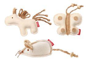 Het GiGwi Eco Line Catch & Scratch kattenspeeltjeis voorzien van Catnip, waardoor jouw kat helemaal dol gaat zijn op dit speeltje. Gemaakt van stevig canvas, waardoor de kat er lekker mee kan spelen zonder dat het snel kapot gaat.