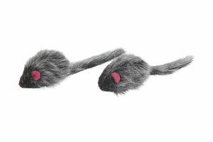 De Kerbl Race muis lang haar is voorzien van kattenkruid en daardoor zeer interessant voor jouw katten. De muis heeft aan de onderzijde een wieltje, waardoor de muizen door de kamer 'racen'. De verpakking bevat 2 muisjes van circa 6,5 centimeter.