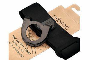 De Orbiloc Sport Kit bevat een armband en clip en zorgt ervoor dat jij goed zichtbaar bent tijdens het hardlopen of sporten. De armband is gemaakt van rekbaar, ademend en wasbaar neopreen materiaal.