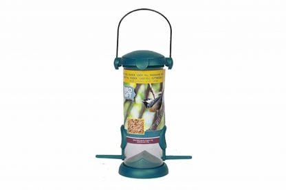 De Bird Gift Zaad feeder is gemaakt van duurzaam kunststof en is eenvoudig te vullen met het lekkerste strooivoer. Zeer geschikt om aan de boom of speciale vogelvoerhouder te hangen.