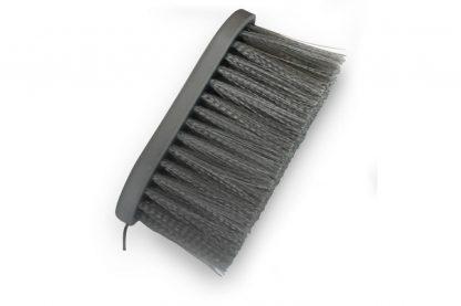 De Sectolin Softgrip Paardenborstel is voorzien van extra lange haren van 7 centimeter, waardoor je eenvoudig vuil en stof verwijdert.
