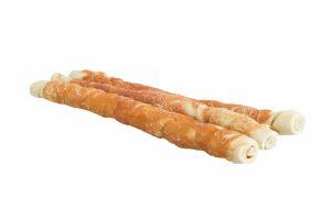 Trixie Denta Fun Chicken Chewing Rolls zijn gemaakt van runderhuid in een heerlijk jasje van kip. Verwen jouw trouwe viervoeter met een lekkere snack. Daarnaast zorgt kauwen ervoor dat honden ontspannen en ondersteunt dit een gezond gebit.