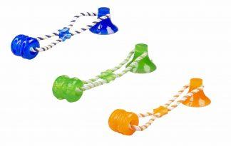 """Duvo+ Playtime Tug """"N Chew toy is een sterk rubberen speeltje, waar de hond urenlang mee bezig kan zijn. De stevige zuignap kun je op elke egale ondergrond plaatsen en daarna is het speeltje klaar voor gebruik."""