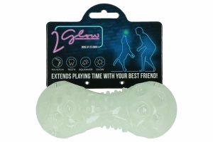 De 2 Glow Bone of its own is een speeltje wat licht geeft in het donker en waarmee je ook in de avonduren samen met je viervoeter buiten kunt spelen. Perfect voor een leuk apporteer spelletje met jouw hond, daarnaast versterkt samen spelen de band tussen hond en baas.
