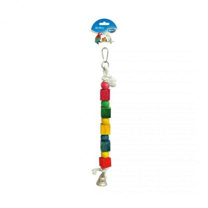 Het Duvo+ touw met kleurrijke blokjes en bel is een kleurrijk vogelspeeltje dat gemaakt is van katoentouw in combinatie met geverfde houten blokjes, welke uiteraard veilig zijn voor vogels.