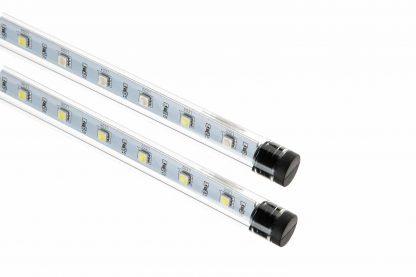 De Ferplast aquariumlamp LED Sealife is perfect voor zeeaquaria en zorgt voor optimale prestaties met een laag energieverbruik, tot 50% minder dan traditionele fluorescentielampen. Deze lampen zijn waterdicht (IP67) en werken op een lage veiligheidsspanning (12 V).