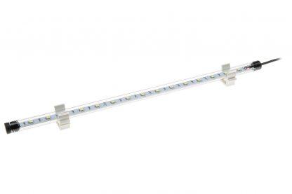 De Ferplast aquariumlamp LED Toplife is perfect voor zoetwateraquaria en zorgt voor optimale prestaties met een laag energieverbruik, tot 50% minder dan traditionele fluorescentielampen. Deze lampen zijn waterdicht (IP67) en werken op een lage veiligheidsspanning (12 V).