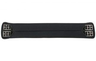 De Dressuursingel neopreen glad is een comfortabele dressuursingel. De singel is gemaakt van neopreen en daarnaast ontzettend zacht en soepel. Neopreen is een stretchstof welke niet kreukt en kleurvast is.