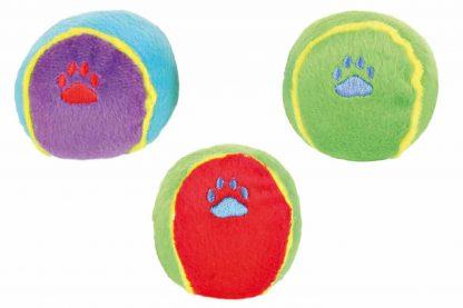De Trixie hondenspeelbal pluche is voorzien van een leuk piep geluidje en ook lekker zacht! Door het zachte materiaal is de speelbal perfect voor een leuk apporteerspelletje in huis. Daarnaast zorgt het geluidje voor extra interesse.