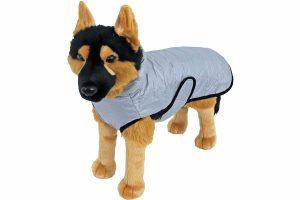 De deze hondenjas gewatteerd nylon grijs is een warme jas voor je hond. De gewatteerde vulling met stiksel zorgt niet alleen voor een hippe look, maar zorgt er ook voor dat het jasje winddicht is.
