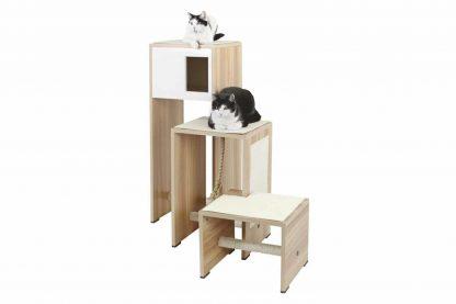 De Kerbl Design kattenkrabmeubel is voorzien van rechte vormen en stijlvol materiaal! De krabpaal is niet alleen heel erg leuk voor jouw kat(ten), maar staat ook chique in jouw huis. Het voordeel is dat je de losse elementen op verschillende manieren kan combineren, zodat je hem altijd passend kan maken. Daarnaast kan je door af en toe de opstelling te veranderen ook de katten extra uitdagen!