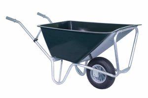 De Stal kruiwagen Basic is gemaakt van zeer degelijk kunststof, zodat jij er de meest uiteenlopende dingen in kan vervoeren. Door het hoge frame is de kruiwagen stabieler! Het frame is gemaakt van gegalvaniseerd metaal en is daardoor zeer stevig.