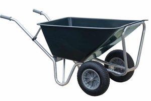 e Stal kruiwagen Basic 2-wiel is gemaakt van zeer degelijk kunststof, zodat jij er de meest uiteenlopende dingen in kan vervoeren. Door het hoge frame en de twee wielen biedt deze kruiwagen veel stabiliteit.