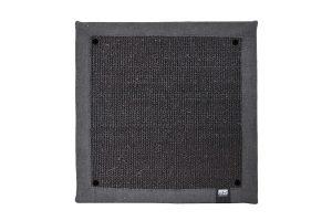 De krabmat is gemaakt van sterk geweven sisal en is voorzien van een dikke buitenrand van stof. De krappa krabmatten zijn eenvoudig aan de muur te bevestigen, waardoor het geen extra ruimte in beslag neemt.